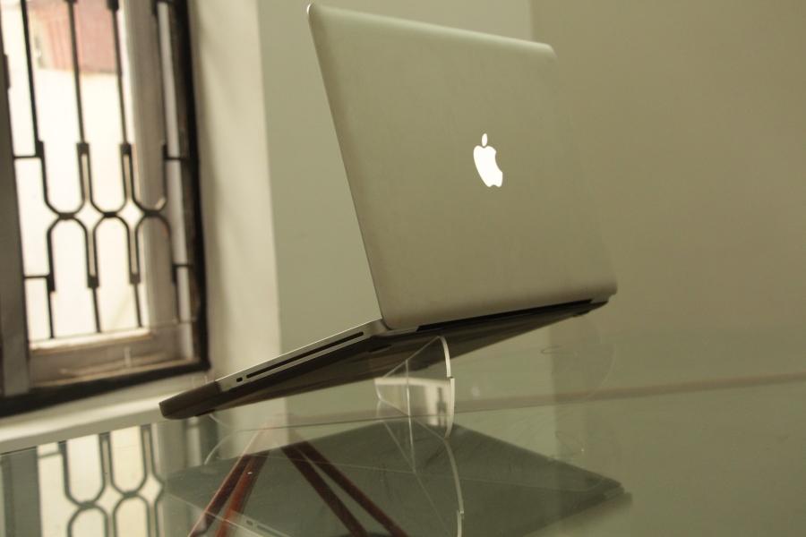 interlock laptop stand
